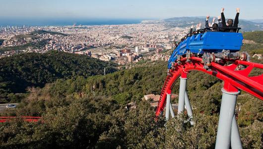 Парк аттракционов на Тибидабо в Барселоне