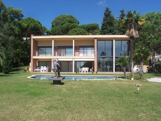 Недвижимость в испании рядом с барселоной