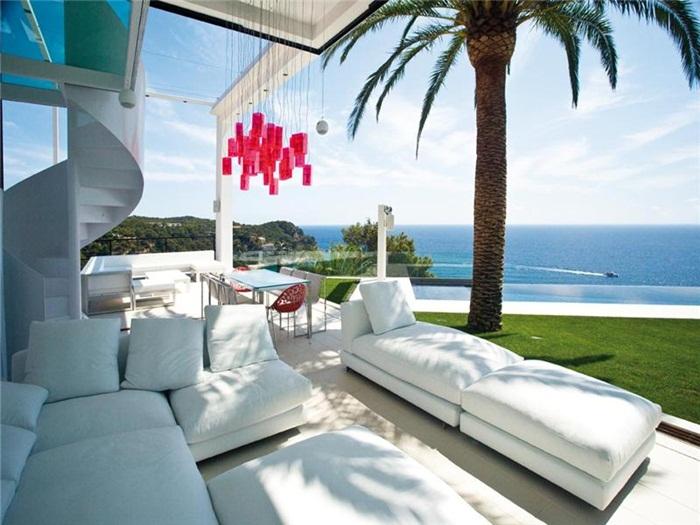 Недвижимость испании на побережье океана