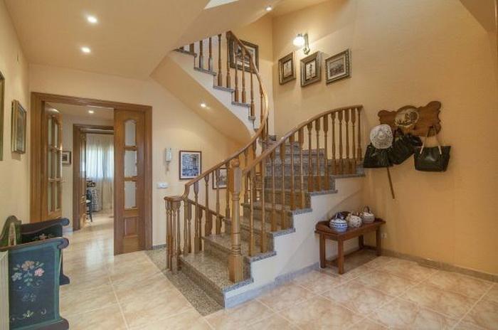 Vendesi casa indipendente a Ivrea Calella